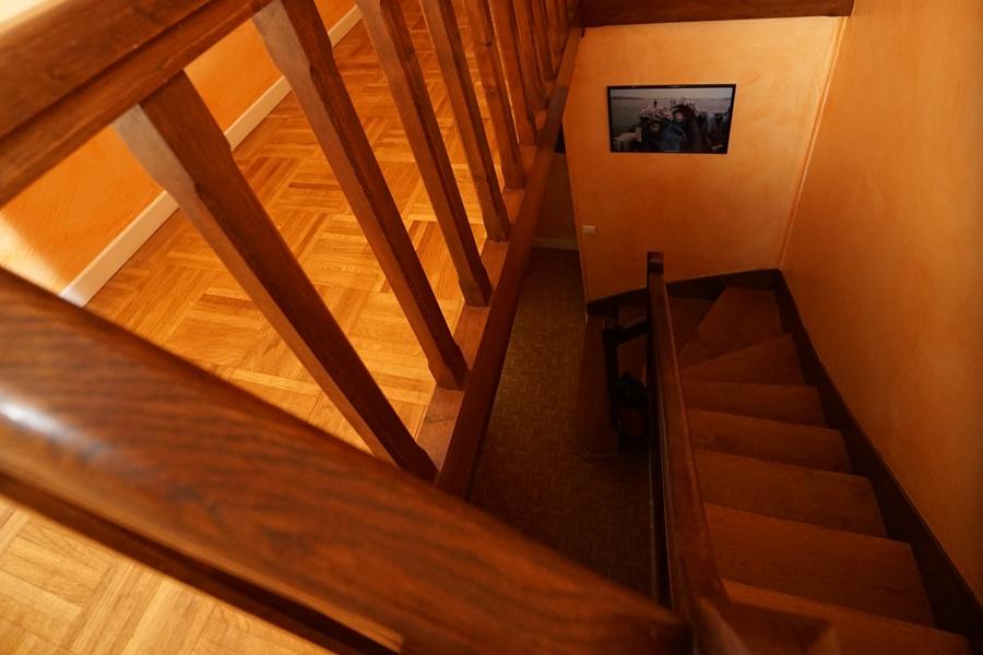 escalier gîte palombiere