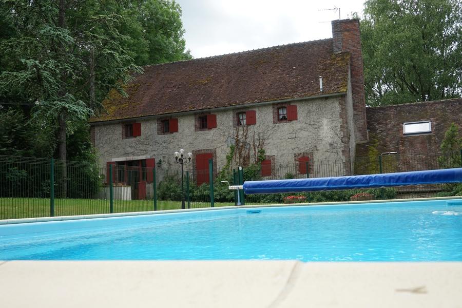 piscine gîte palombière