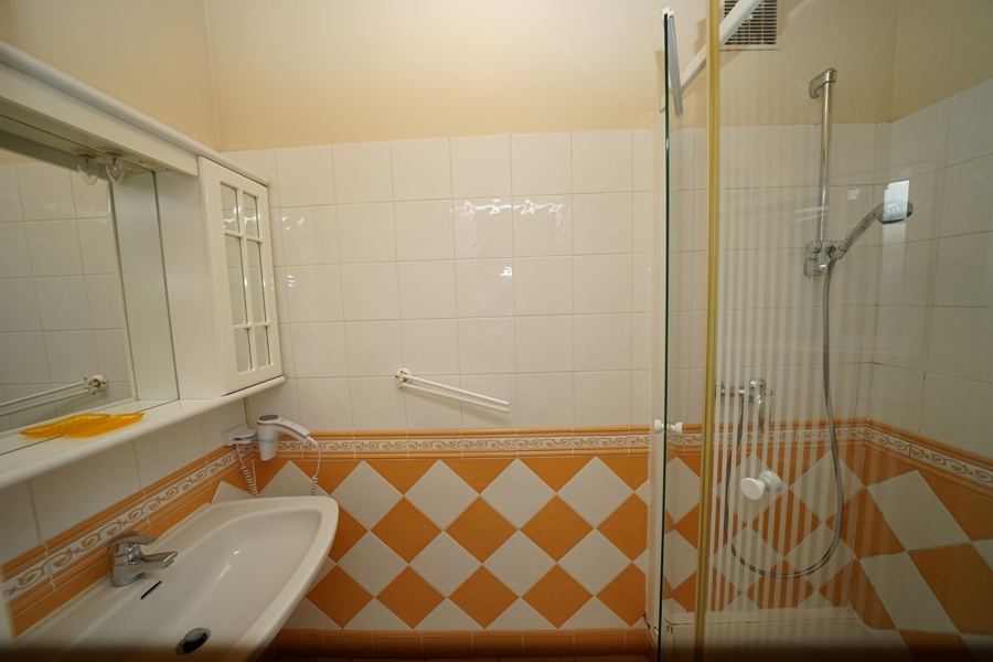 salle de bains chambre petite famille, gîte palombiere