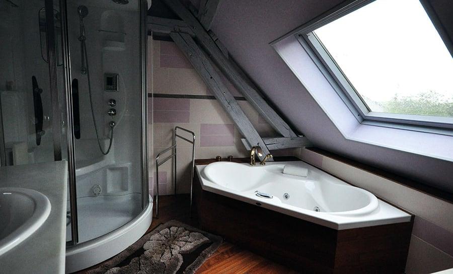 salle de bain du haut, la jarronnée